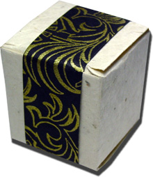 Lotka Seeded Favor Box - Black and Gold