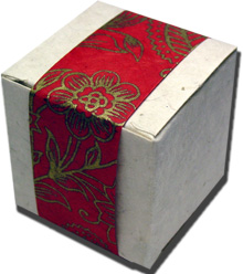 Lotka Seeded Favor Box - Red and Gold